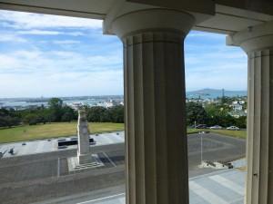 オークランド戦争記念博物館から市内を見下ろす