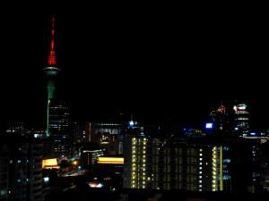 ユースの7階から見たオークランドの夜景