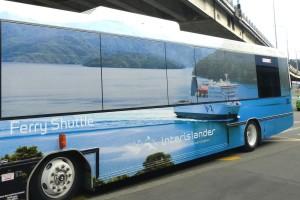 シャトルバスの車体