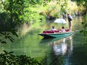 ハグレー公園を流れるエイボン川