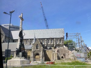 崩壊した大聖堂