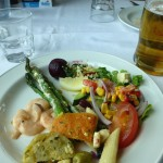 サラダと魚料理