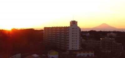 外廊下から見た夕日