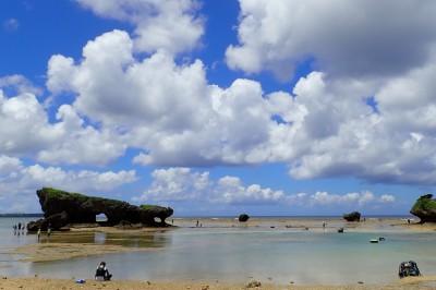 干潮の裏真栄田ビーチ