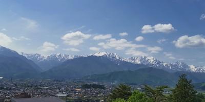 山岳博物館展望台から望む後立山連邦
